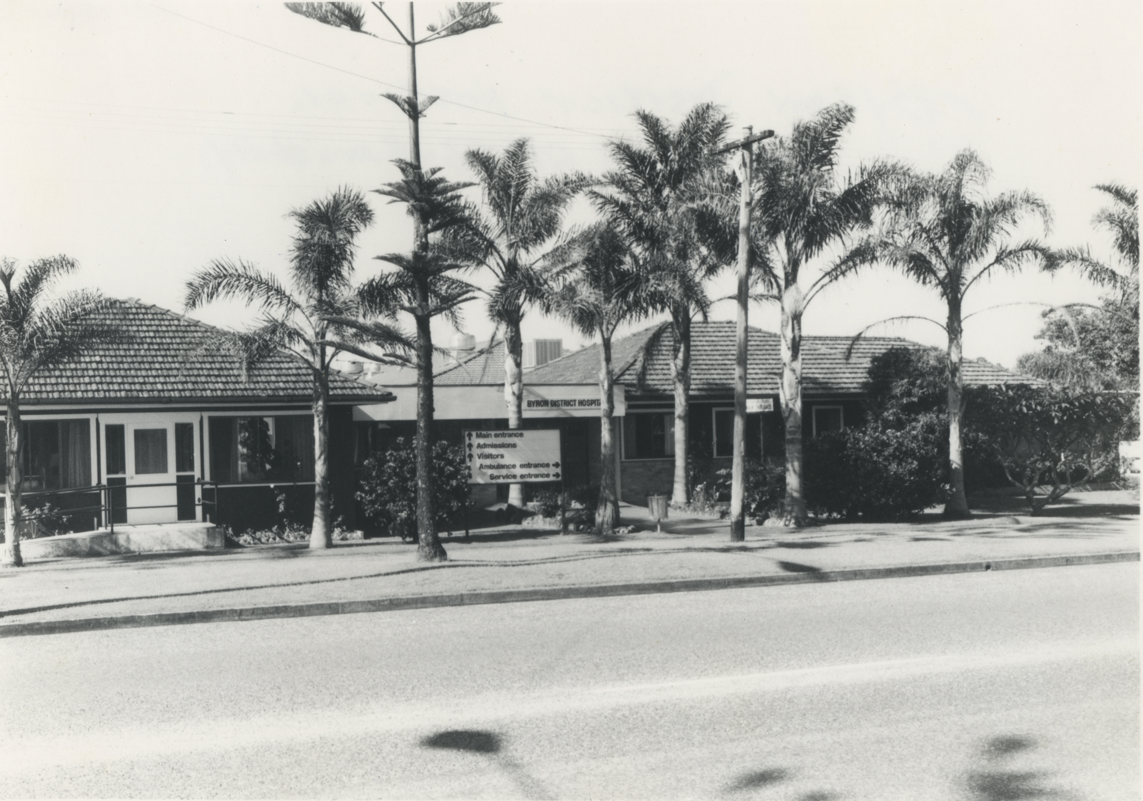 "Byron District Hospital (""temporary"") shortly after opening in 1952. EJW Photo – RTRL."